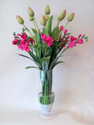 db_pinkgreen_tulips_and_pink__freeshia