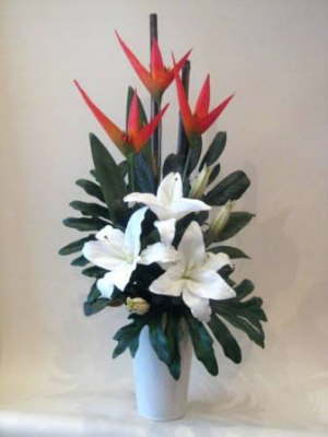 db_heleconia_and_white_lillies