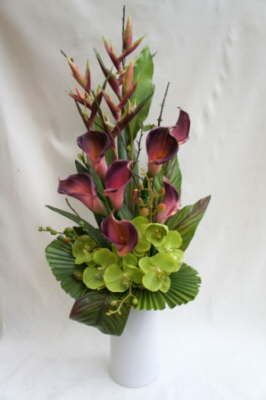 db_Flower_Illusions_plum_calla_and_green_orchids